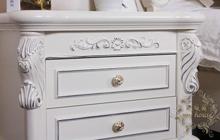 柜面,奶白色漆面手感光滑