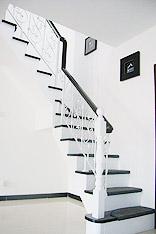 时尚黑白配色 15个黑白配楼梯设计