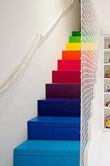 15个彩色楼梯设计 彩虹住进阁楼里